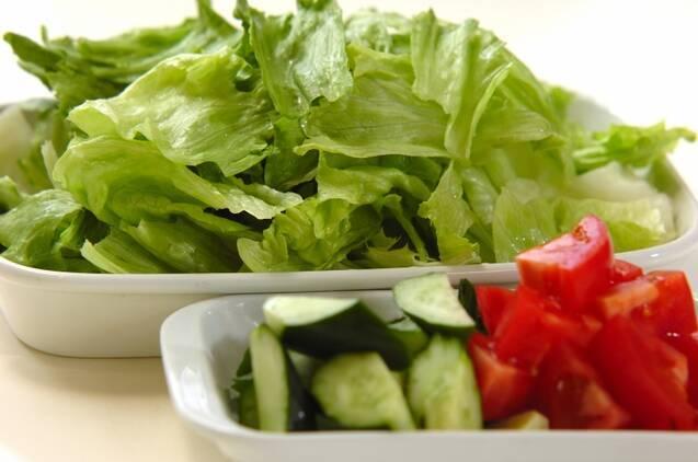 レタスのチョレギサラダの作り方の手順1