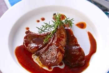 ラム肉のソース焼き