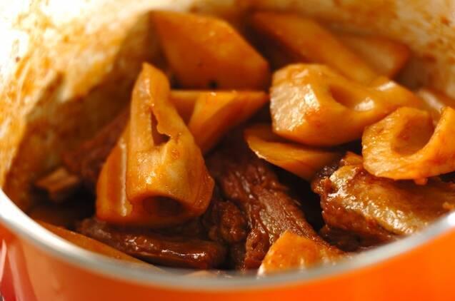 レンコンとスペアリブの煮込みの作り方の手順3