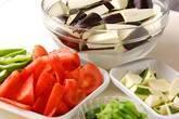 夏野菜炒めの下準備5