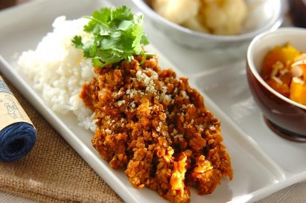 1.豆とひき肉のカレー