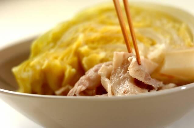 春キャベツと豚肉の蒸し煮の作り方の手順4