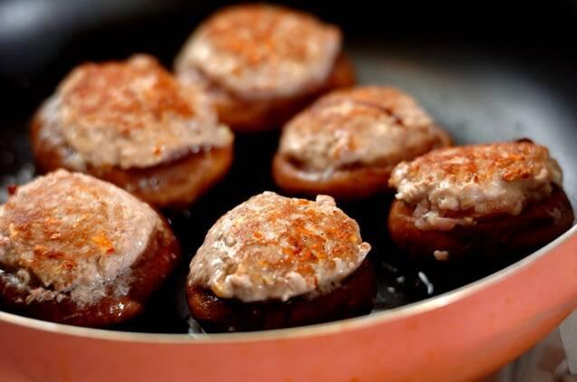 シイタケの肉詰めオイスターあんの作り方の手順5