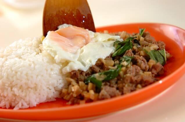 タケノコのガパオご飯の作り方の手順3