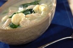 鶏ささ身とホウレン草のクリームスープ