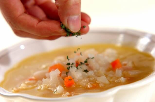 カブとベーコンのスープの作り方の手順5