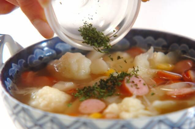 カリフラワーのコンソメスープの作り方の手順3