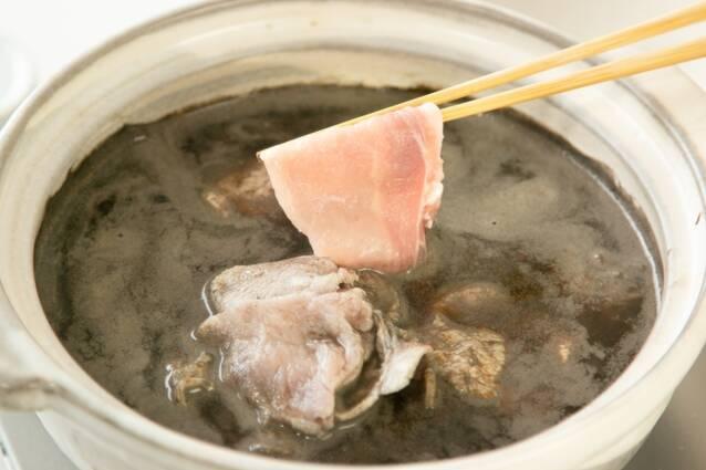 黒ごま坦々納豆鍋の作り方の手順3