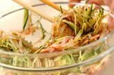 モヤシとキュウリのピリ辛サラダの作り方2