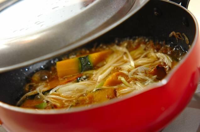 カボチャとジャコのネギ炒め煮の作り方の手順5