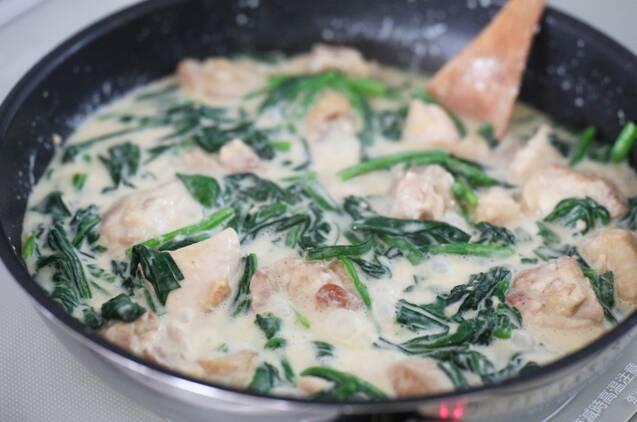 チキンとほうれん草のクリーム煮の作り方の手順5