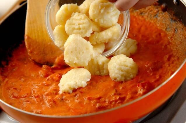 トマトクリームソースニョッキの作り方の手順8