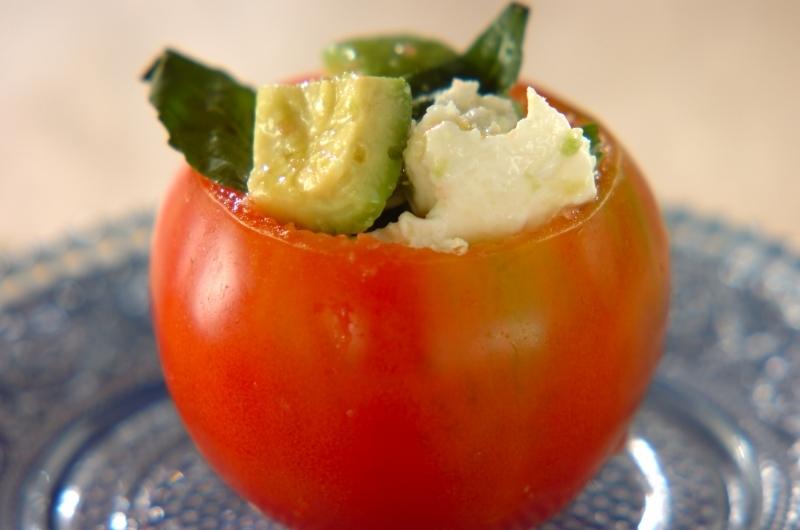 3. カップトマトのアボカドサラダ