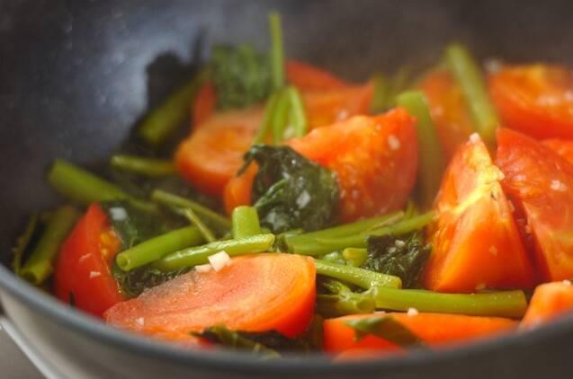 トマトと空芯菜の卵炒めの作り方の手順3