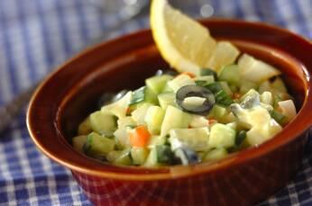 キュウリのヨーグルトサラダ