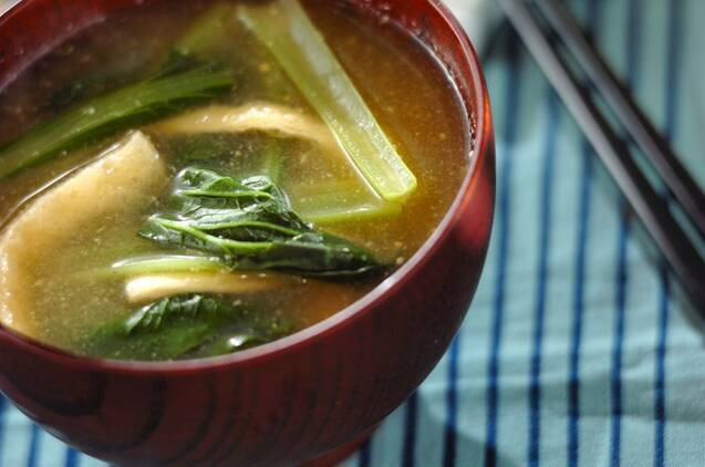 小松菜と油揚げのみそ汁