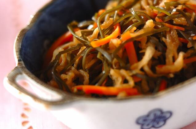 4. 切干大根と昆布の煮物