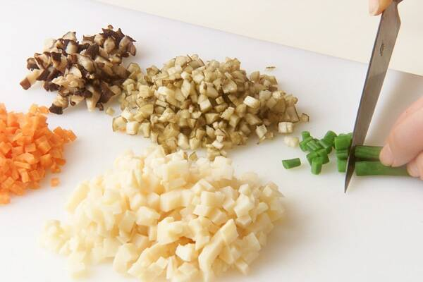 具だくさんのやわらかイカ飯の作り方の手順1