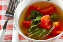 レタスとトマトのスープ
