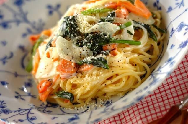 スモークサーモンとホウレン草のスパゲティー