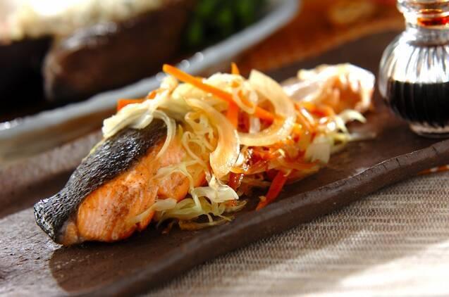 鮭のシンプル蒸し焼き