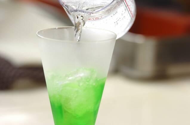 喫茶店のメロンクリームソーダの作り方の手順2