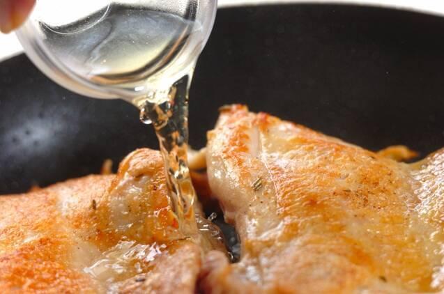 チキンソテーローズマリー風味の作り方の手順3