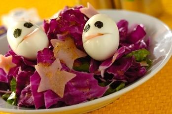 お化け卵のシーザーサラダ
