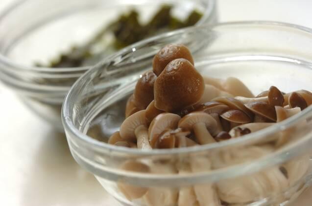 小松菜とシメジののり和えの作り方の手順2