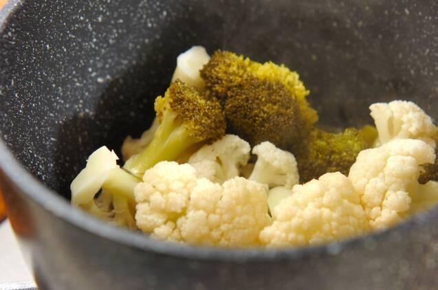 カリフラワーとブロッコリーの甘酢和えの作り方の手順3