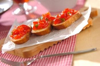 トマトのクロスティーニ