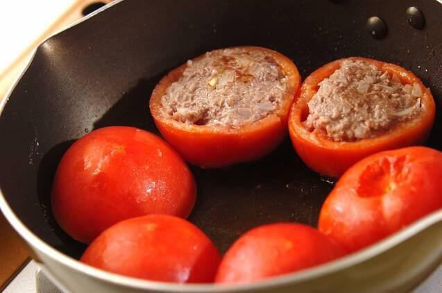 トマトの肉詰めの作り方の手順4