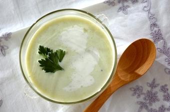 エンドウ豆の冷製スープ