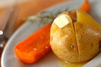 ジャガイモの香草ホイル焼き