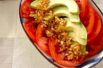 トマトとアボカドの和風サラダ