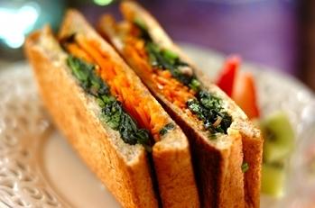 野菜たっぷりホットサンド