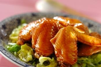 鶏手羽先と春キャベツの甘辛煮