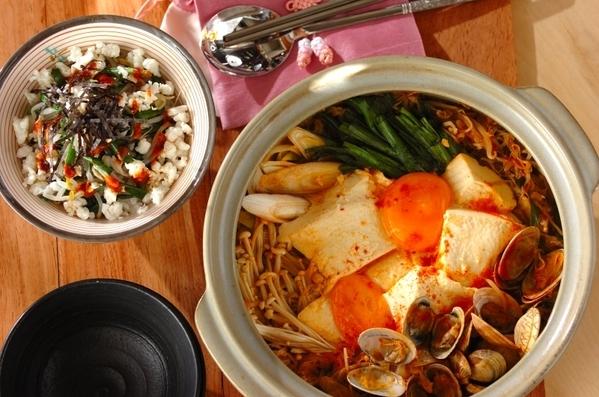 煮干しダシのスープから作る!あっさりスンドゥブチゲ