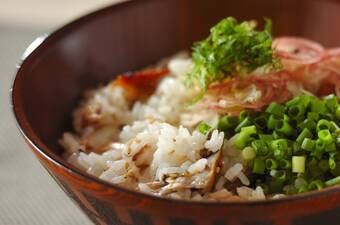 塩サバと香味野菜の混ぜご飯