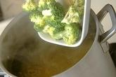 サーモンクリームパスタの作り方1