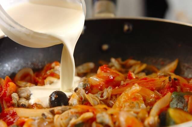 アサリのトマトクリームパスタの作り方の手順4