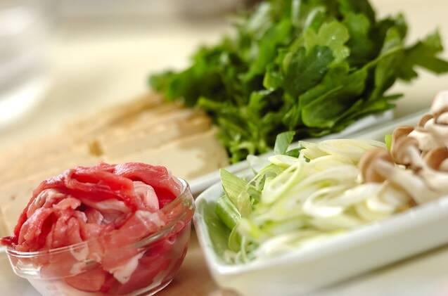 甘辛豚すき焼きの作り方の手順1
