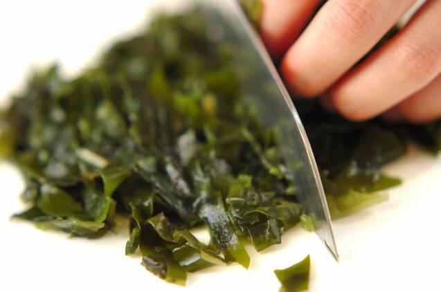 ワカメとツナの混ぜご飯の作り方の手順1