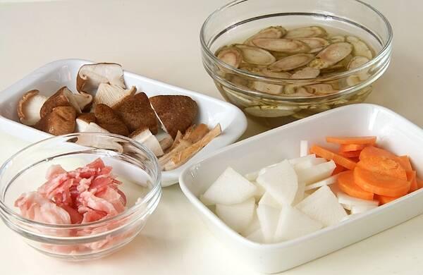 豚汁の作り方の手順1