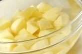 粉ふきいも・バター風味の下準備1
