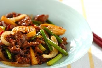 ご飯がすすむ!牛肉とニンニクの芽のオイスター炒め
