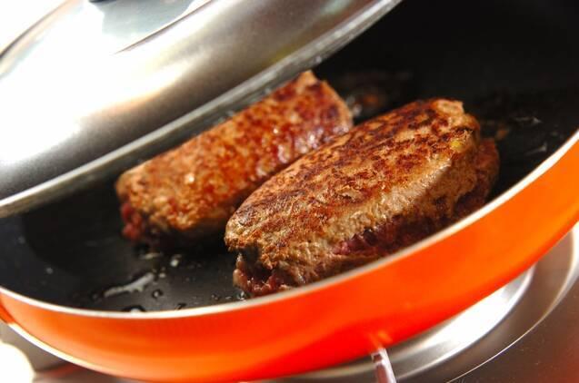 クリームトマトソースハンバーグの作り方の手順9