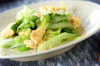 レタスとふわふわ卵の炒め物