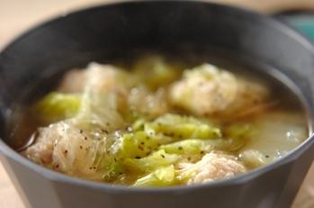 鶏団子と白菜の春雨スープ