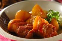 豚バラ肉と新ジャガの煮物